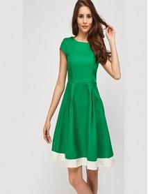 Свежа дамска рокля в зелено
