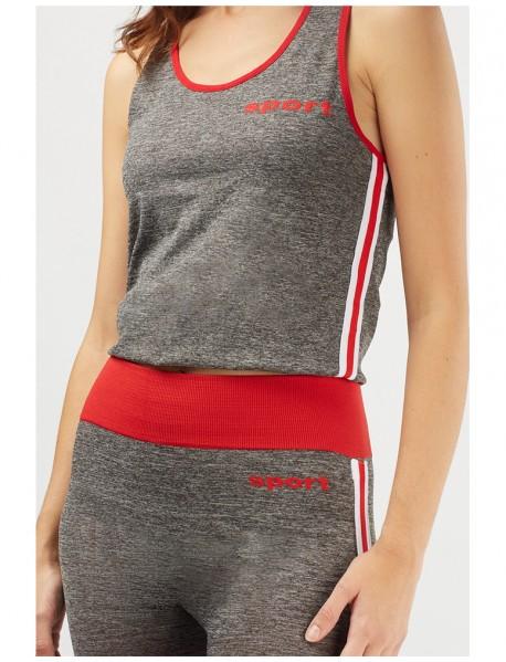 Дамски спортен екип в сив цвят
